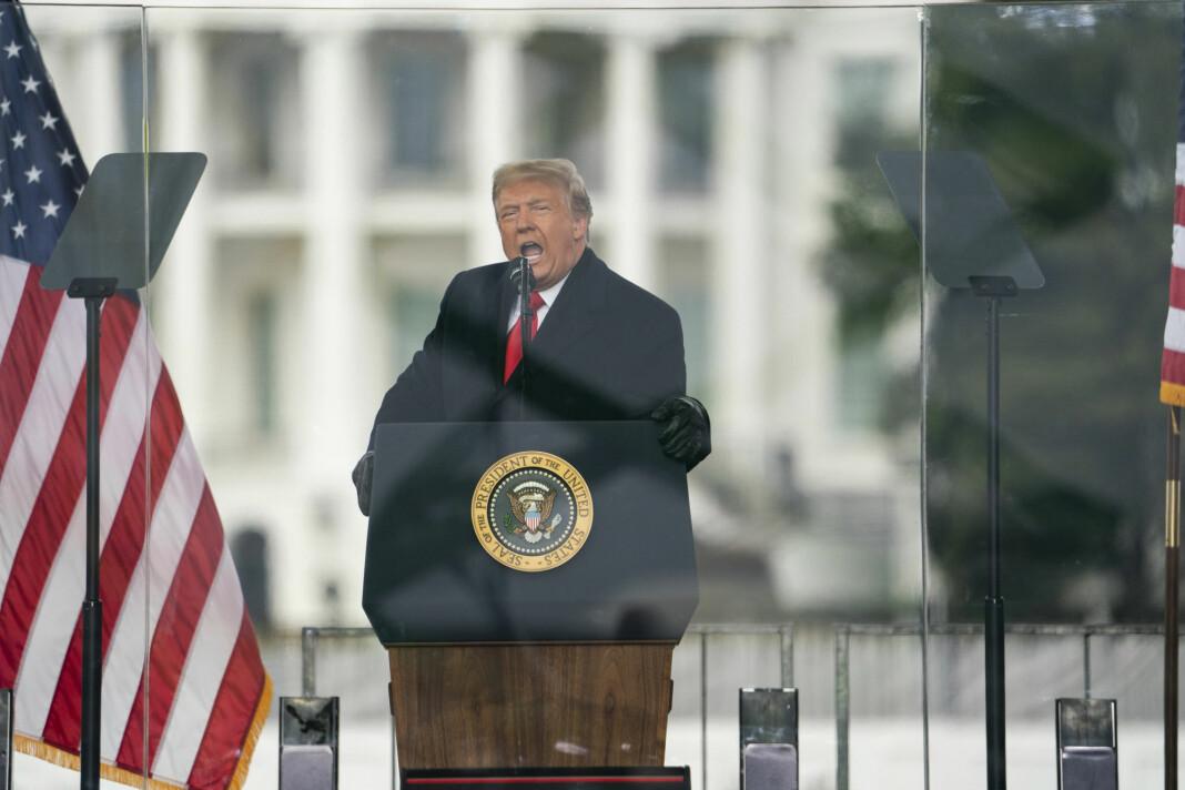 Trump hevder fortsatt hardnakket at han ble frarøvet valgseieren som følge av omfattende valgfusk, noe også mange av tilhengerne hans er overbevist om.