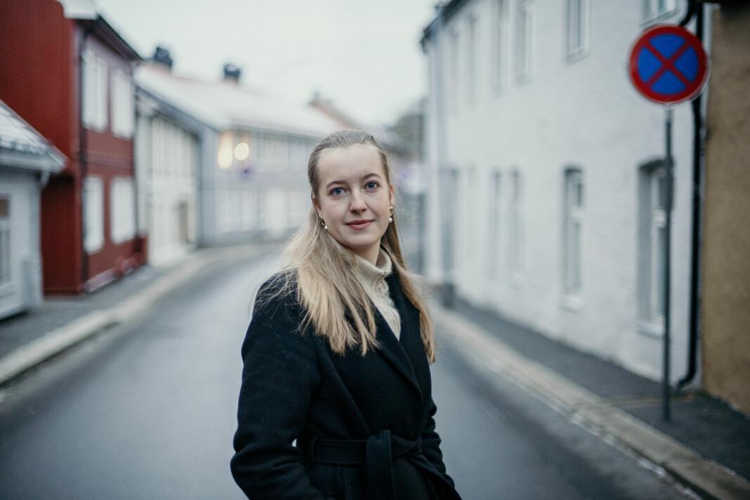 Frilansfotograf Hanna Kristin Hjardar mener det synd at det er de største aktørene som ikke evner å betale frilanserne sine ordentlig.