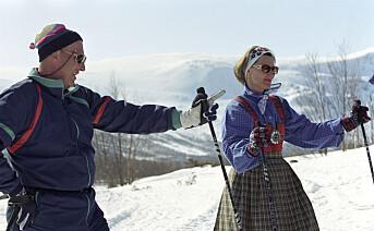 Den norske kongefamilien deltar i det tradisjonelle påskeskirennet på Sikkilsdalsseter påskeaften 1993