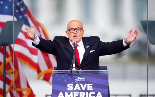 Rudy Giuliani saksøkes for milliarder etter uttalelser i konservative medier