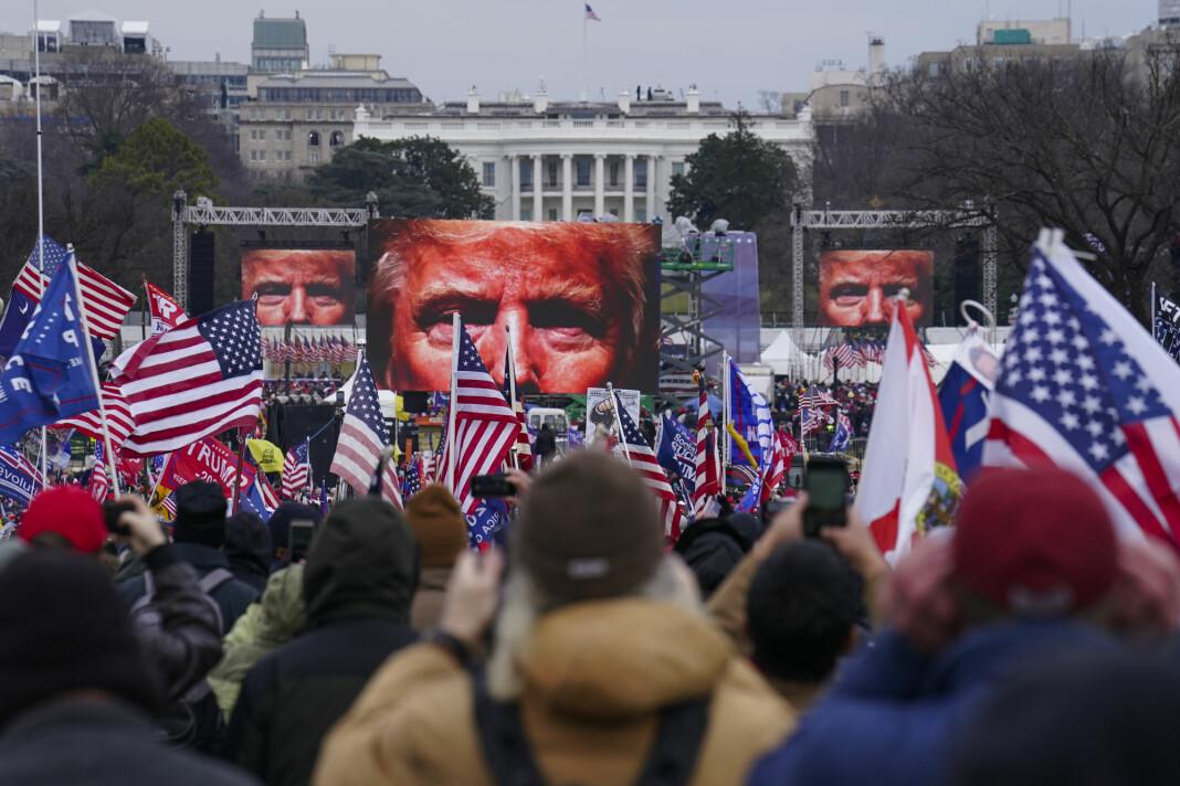 Youtube stengte Trumps konto 12. januar etter stormingen av Kongressen.