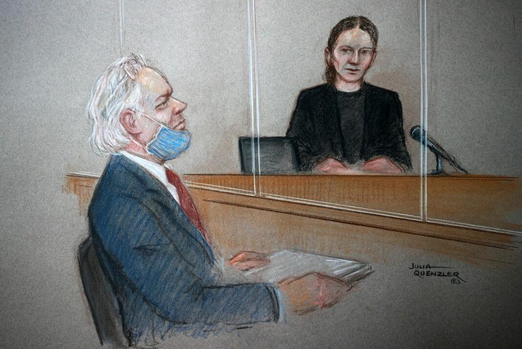 Julian Assange tegnet da han mottok dommen i begynnelsen av januar.