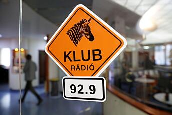 EU truer med rettslige skritt etter at Ungarn stengte radiostasjon