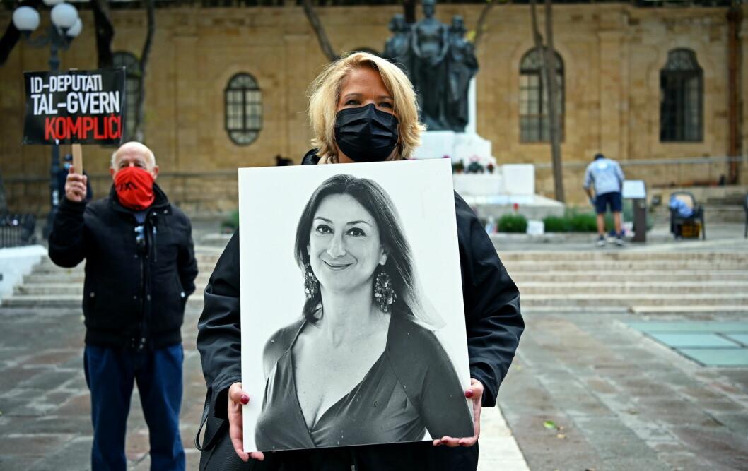 Daphne Caruana Galizia ble drept av en bilbombe på Malta i 2017.