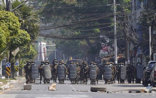 Journalisten strømmet selv hvordan soldater tok seg inn i boligens hans