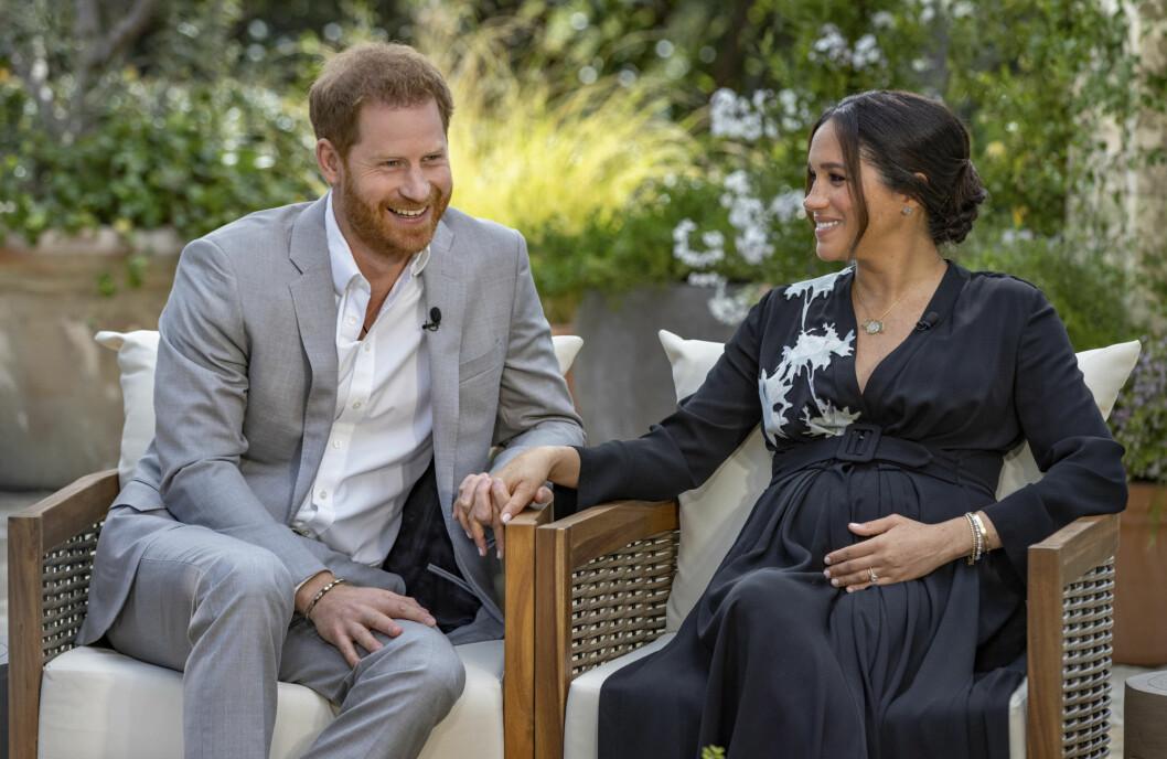 Prins Harry og hertuginnen av Sussex, Meghan, snakker om at de venter en jente under mandagens intervju med Oprah Winfrey.