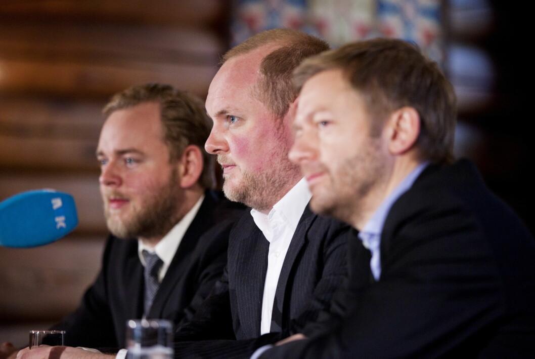 Sagen-brødrene og Tjøstheim skal ha signert med VG. Fra venstre: Tore Sagen, Steinar Sagen og Bjarte Tjøstheim.
