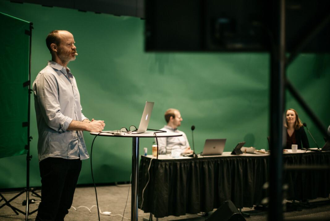 Harald Eia med inspirasjonsforedrag på landsmøtet.