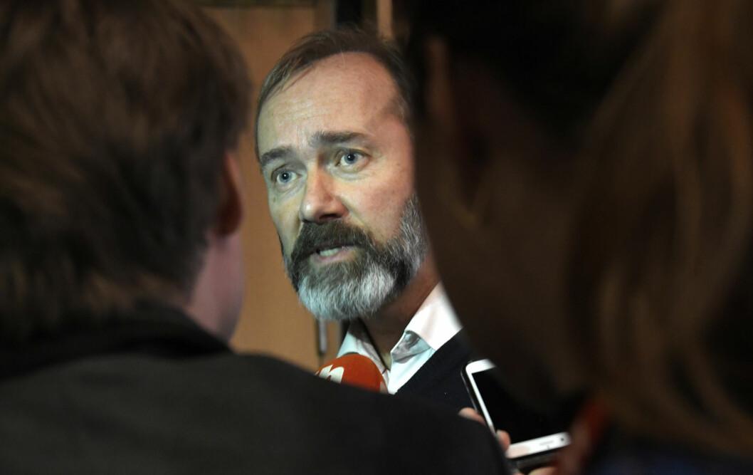 Trond Giske har blant annet klaget inn Aftenposten og Bergens Tidende til PFU, etter det han mener er brudd på pressens bruk av anonyme kilder.