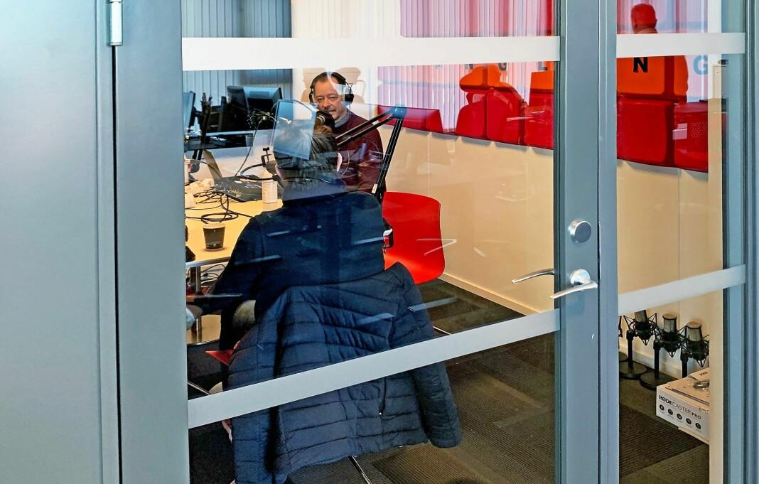 Fredriksstad Blad-redaktør René Svendsen inviterte Sven Jarle Knoll inn i podkast-studio.