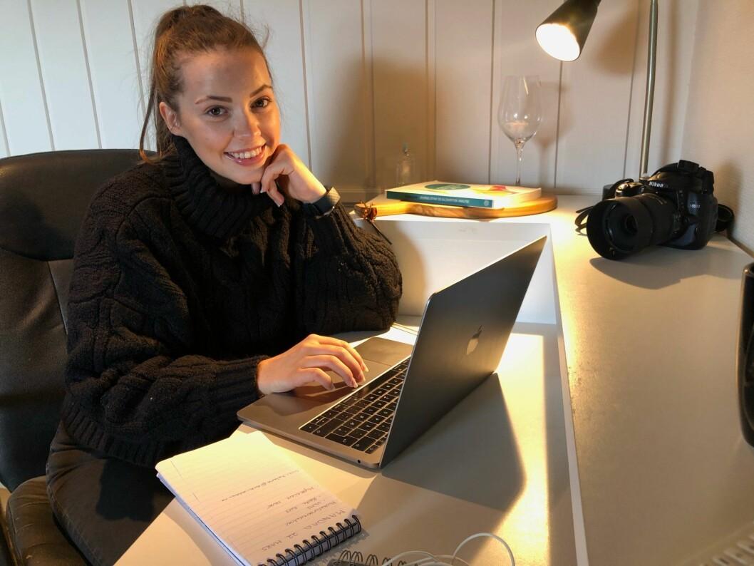 23 år gamle Stine Bækkelien gleder seg til fast jobb i avisen Valdres.