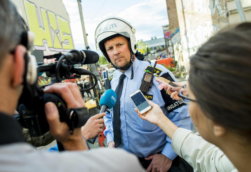 Arbeidet med å utvikle en kanal mellom politi og presse er i gang. Bildet viser Arve Røtterud, innsatsleder i Oslo politidistrikt i 2016, og er urelatert til saken.