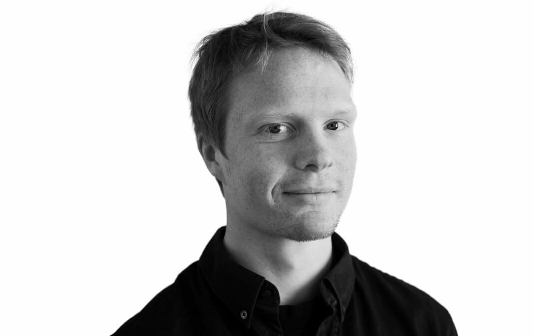 Bendik Støren har også skrevet boka «En fot utenfor – historien om EØS-forhandlingene».