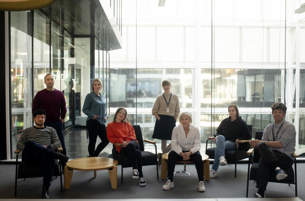 Hele teamet samlet. Stående bak fra venstre: Rune Christophersen, Anna Magnus og Tonje Aursland. Sittende foran fra venstre: Henrik Svanevik, Anna Ofstad, Kjersti Mjør, Anne-Lise Synnevaag og Eivind Hjertholm Fiskerud.