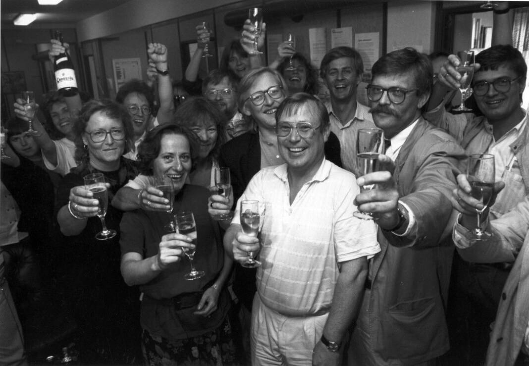 Norsk Journalistlag kan feire 75 år. Her fra da NRKJ avsluttet streik i 1990.