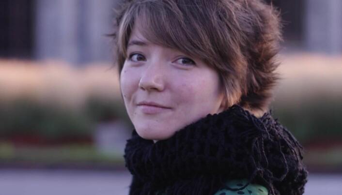 Ida Karine Gullvik fra LO Media til podkastselskapet Svarttrost