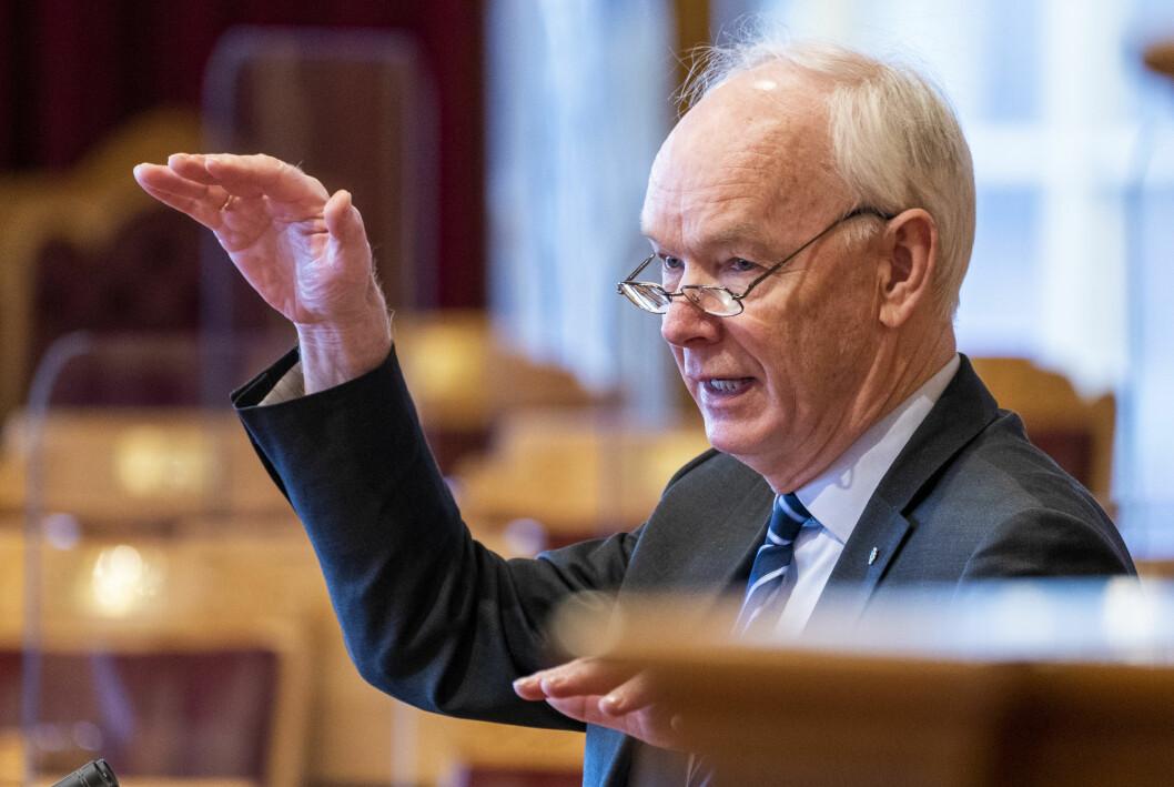 – Hvis Nationen blir solgt, vil det svekke muligheten for en selvstendig stemme basert på verdiene som bondebevegelsen er tuftet på, sier Per Olav Lundteigen.