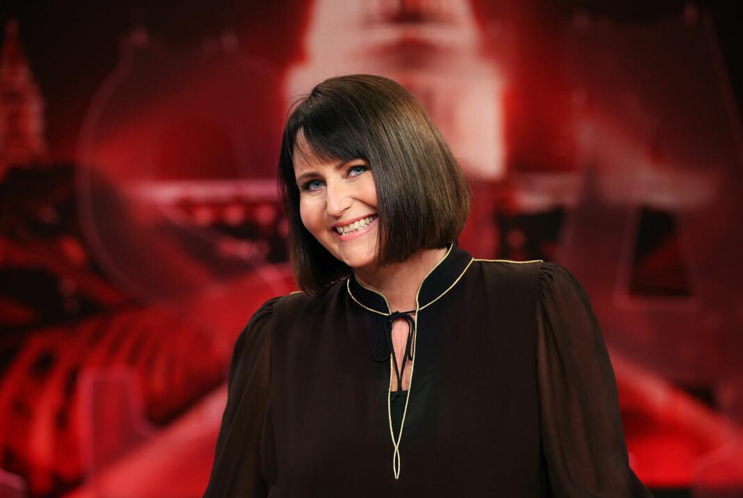 Fra lykkeligere tider: Bildet er tatt i 2018, da Line Andersen ledet sjakksendingene til NRK. Året etter ble hun tatt av skjermen.