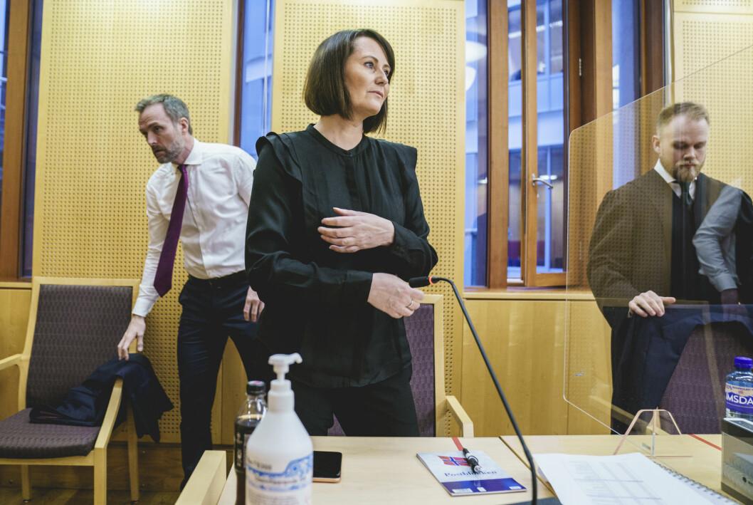 Line Andersen har tilbrakt tre dager i Oslo tingrett. Her flankert av sine advokat Tron Dalheim (t.v.) og Jostein Jenssen.