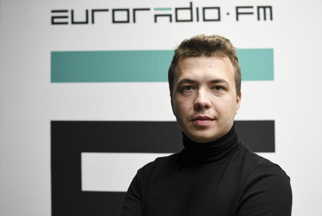 Hviterussland bekrefter at den 26 år gamle journalisten og regimekritikeren Roman Protasevitsj sitter i varetekt i Minsk.