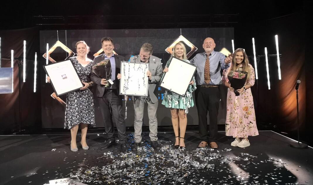 Representanter fra Dølen og Kyst og Fjord tok imot prisene.