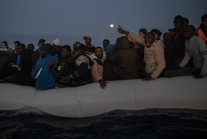– Omtal mennesker i nød som flyktninger. Båtflyktninger på Middelhavet er nettopp det, flyktninger, sier Tranist magasin-redaktør Terje Karlsen.