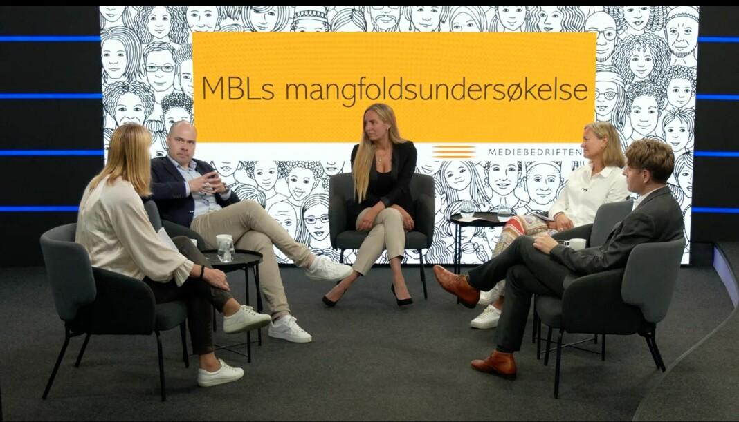 Fra venstre: Randi S. Øgrey (MBL), konsernsjef Anders Opdahl (Amedia), Trine Ohrberg (MBL), Siv Juvik Tveitnes (Schibsted) og Olav Hypher (NRK).