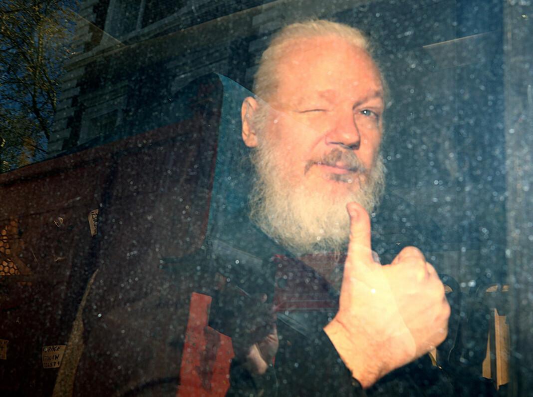 Julian Assange etter pågripelsen i 2019.