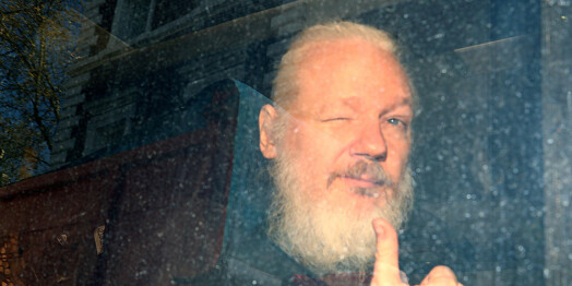 Flere mener saken mot Assange nå er død. Men hvor er medieomtalen?