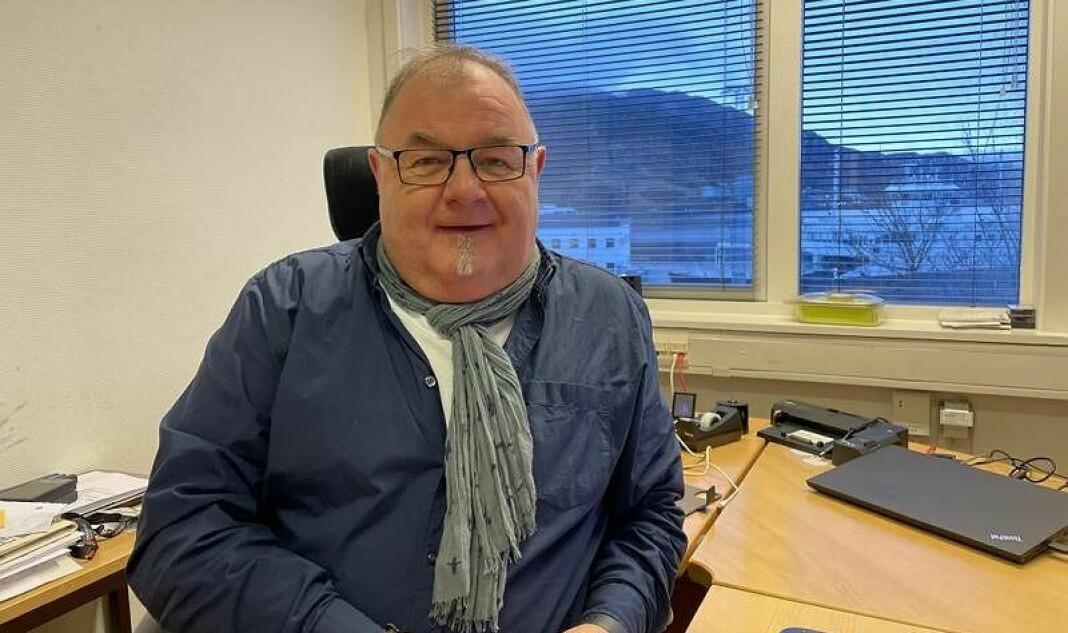 Erling Wåge, ansvarleg redaktør i Fjordenes Tidende, meiner rekrutteringa til journalistyrket er ei stor utfordring.