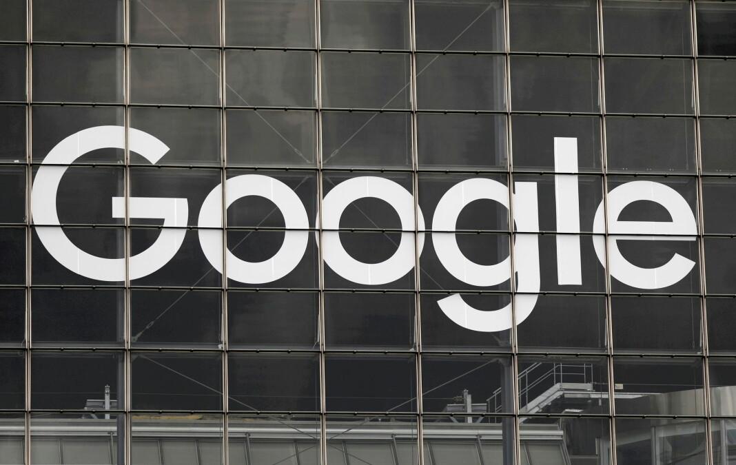 Google får milliardbot i Frankrike. Her en Google-logo på et bygg i Paris.
