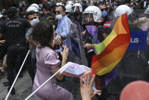 Tyrkia på topp i antall angrep, trusler og overtramp mot kvinnelige journalister