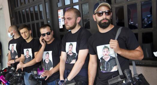 Fotograf døde: TV-stasjoner går i svart