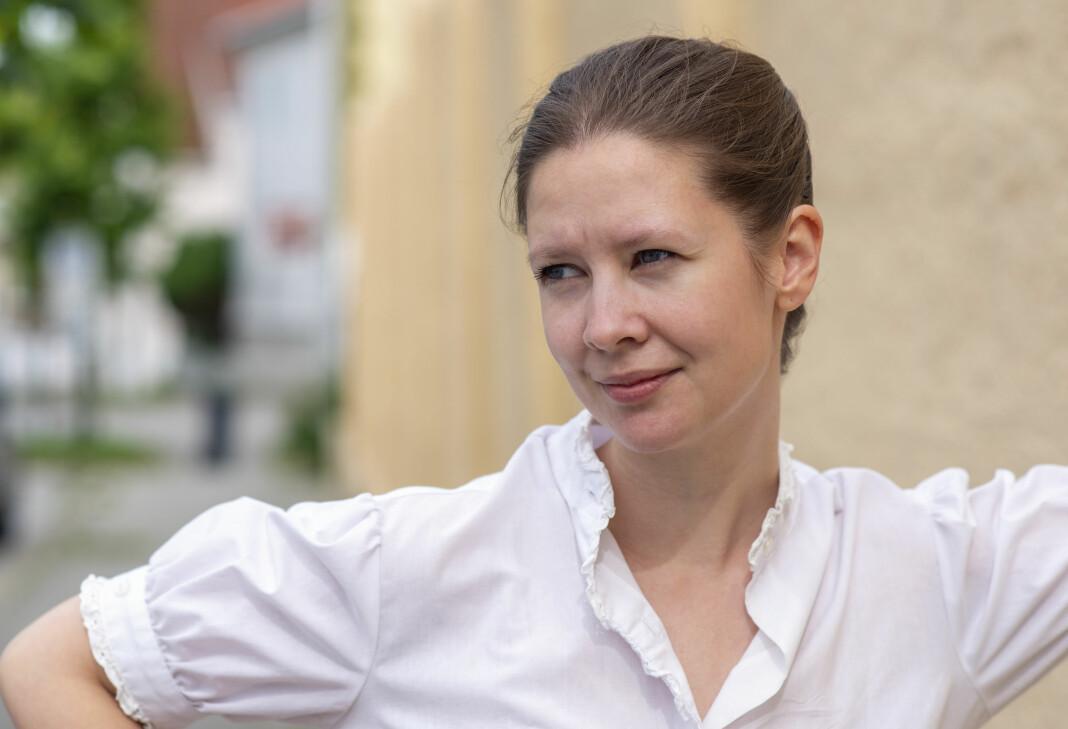 – Jeg ønsker alltid å være på lag med leseren, alternativt at leseren alltid skal oppleve at jeg jobber for hens interesser, sier Elise Dybvig, kulturjournalist i Morgenbladet.