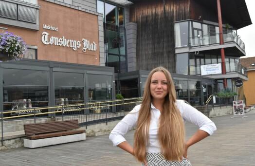 Julia har jobbet som journalist siden hun var 14 år. Nå blir hun fast ansatt i Tønsbergs Blad