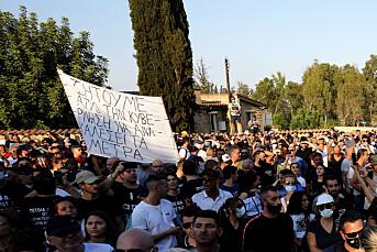 TV-stasjon på Kypros angrepet av koronademonstranter