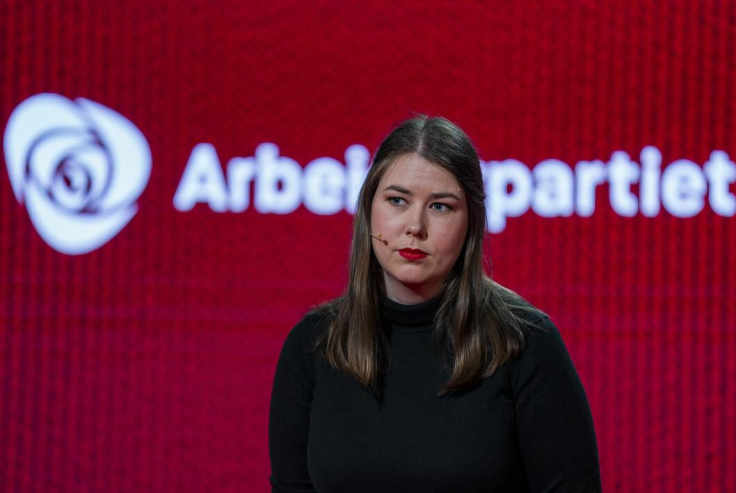 AUF-leder Astrid Hoem tror ungdomspartiene når unge gjennom andre plattformer enn de tradisjonelle mediene.