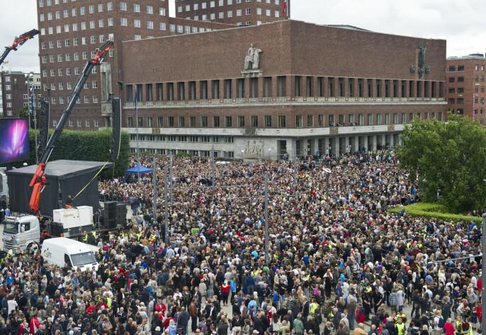 Rosetoget utenfor Oslo rådhus 25. juli 2011.