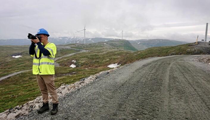 Kim Nygård på oppdrag for Adresseavisen. Her dokumenterer han bygging av vindmøller i Trøndelag.