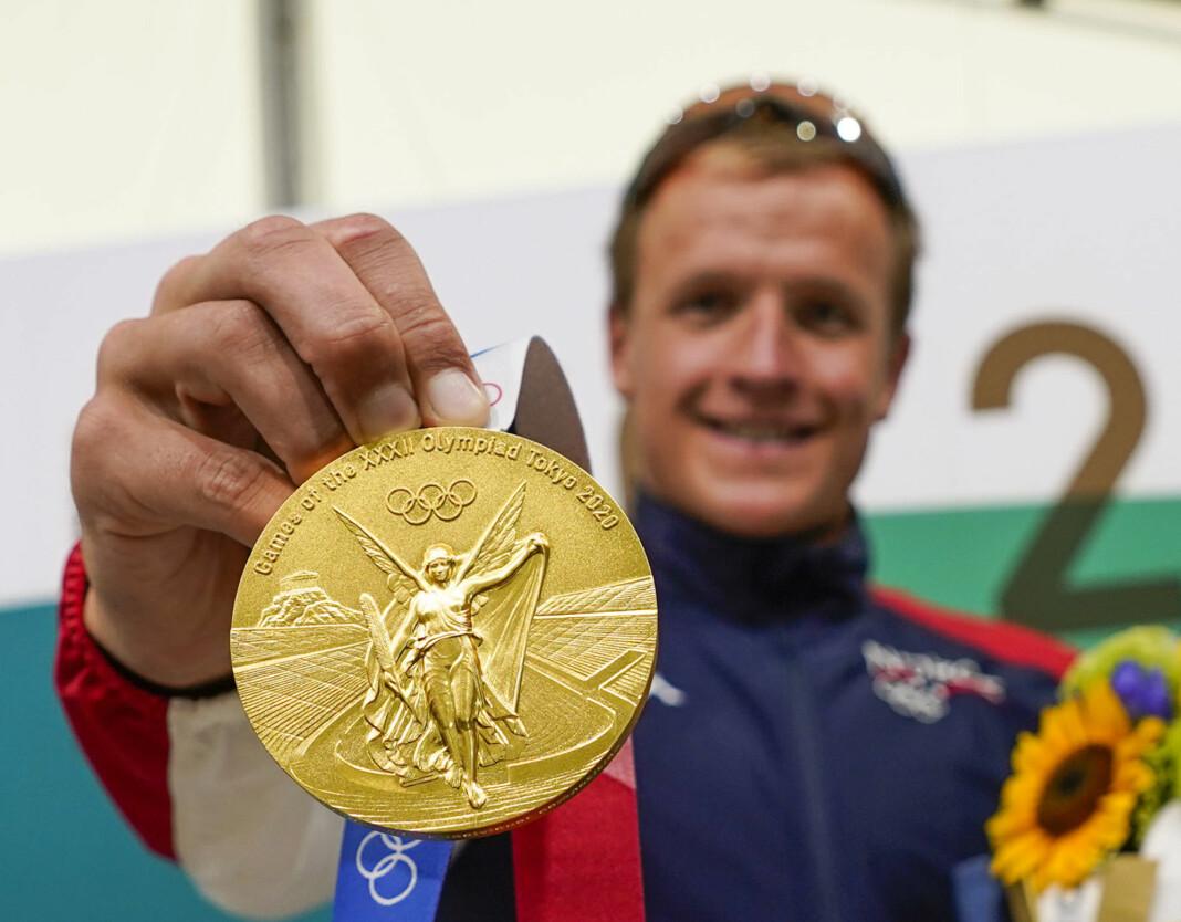 Mange nordmenn satt oppe for å få med seg Kristian Blummenfelts triatlon natt til mandag. Det endte med gull.