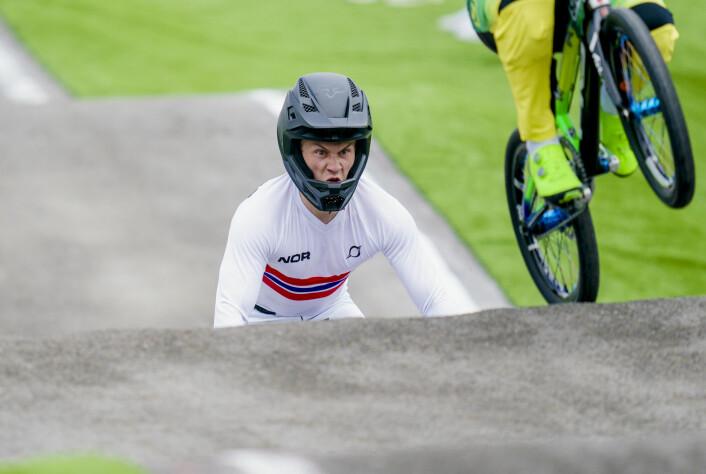 Tore Navrestad kom seg til semifinale i BMX, men røk så ut av OL-konkurransen.