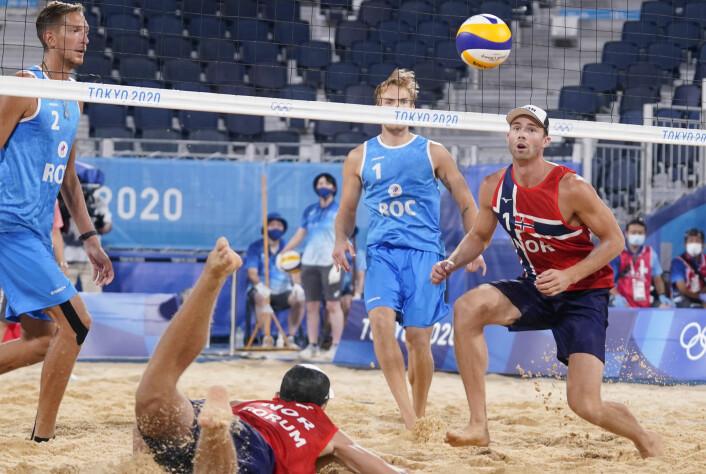 Anders Mol og Christian Sørum har slitt i sanden i Tokyo, men er klare for åttedelsfinale.