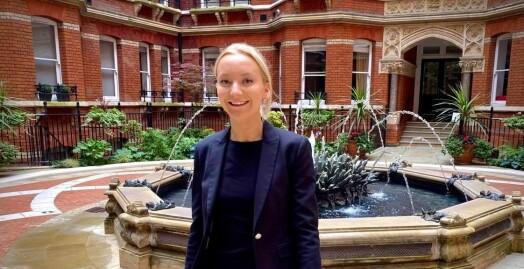 Norske Mille Bisgaard leder sikkerhetsavdelingen i Sky News: – Journalister er ikke den enkleste gruppen å jobbe med. Der andre trekker unna, løper journalister til