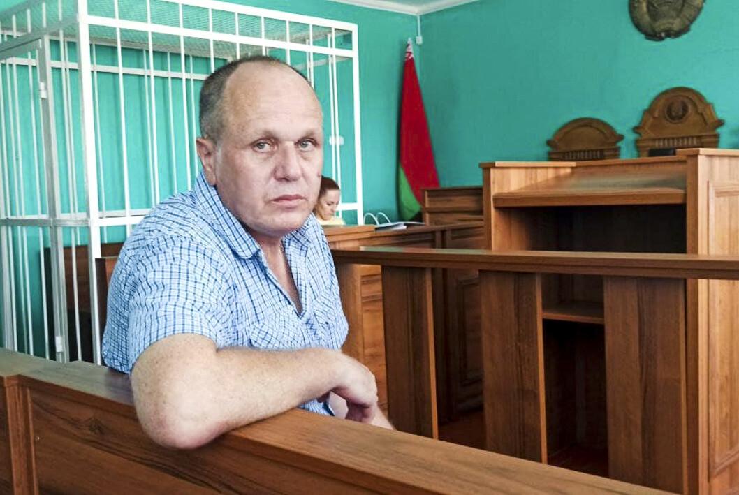 Journalisten Sjarhej Hardzijevitsj er dømt til ett og et halvt års fengsel i Hviterussland for å ha fornærmet landets president Aleksandr Lukasjenko.