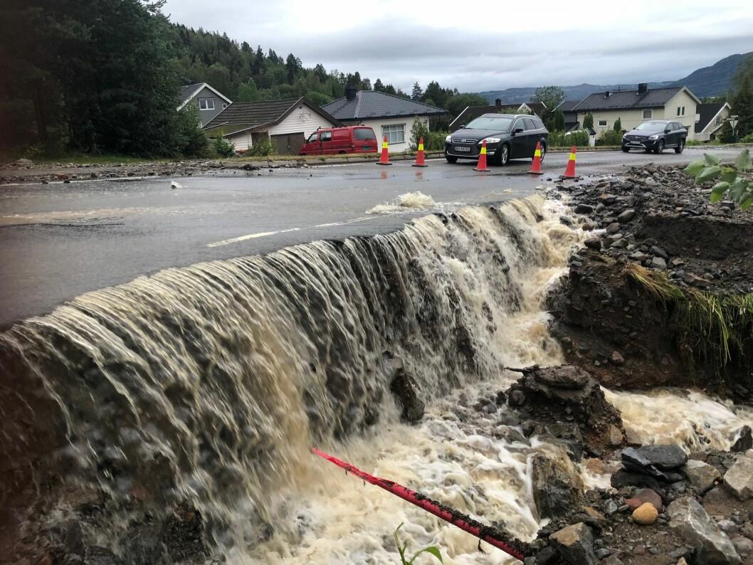 Store nedbørsmengder førte til flom og oversvømmelse i Brumunddal. Bildet er fra 2019.