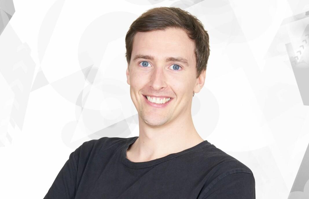 Simen Sveen har de siste årene hatt ansvaret for sportsdekningen på P4, og samtidig vært programleder på P4, P5, P9 og P10.
