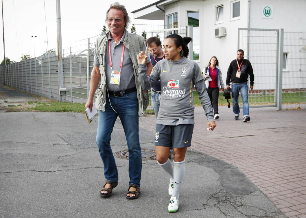 Tidligere VG-journalist Dag Langholm fotografert på jobb under fotball-VM for kvinner i Tyskland i 2011.
