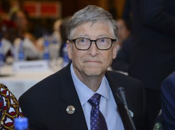 Bill Gates ble arrestert for menneskehandel med barn, skrev det satiriske nettstedet Real Raw News. Det ble gjengitt som en sannhet i en rekke sosiale medier.